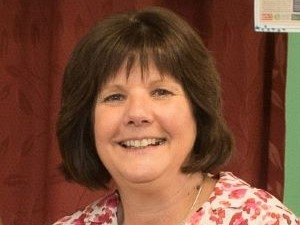 West Lothian Headteacher receives Royal award for good work. Icon
